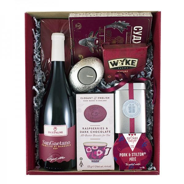 Подарък в кутия с италианско вино и деликатеси