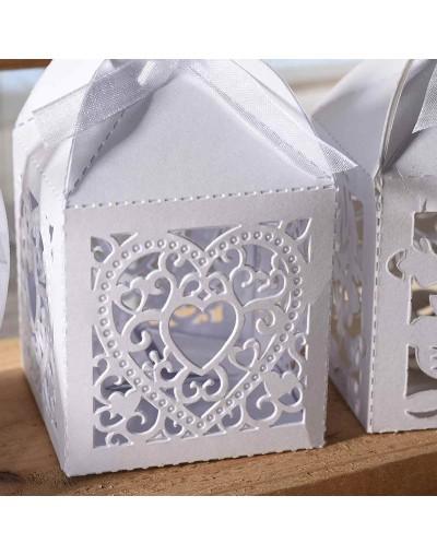 Кутийка за сватбени подаръчета