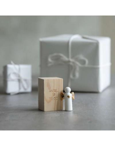 Малък ангел в кутия