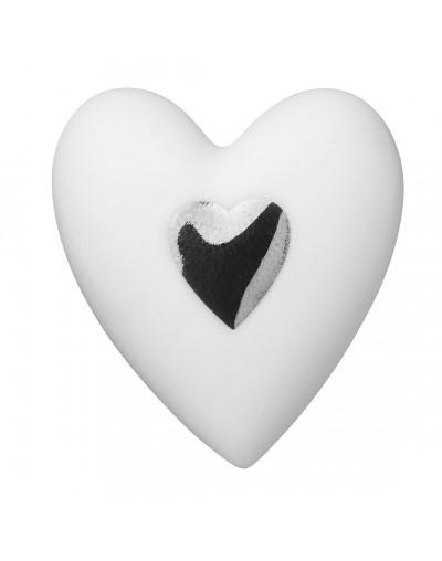 Сърце в кутия от дърво