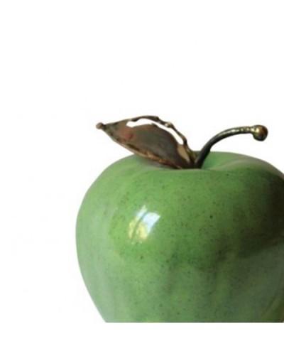 Декоративна зелена ябълка